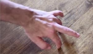 5 bài tập giúp tách các ngón tay trái cực hiệu quả