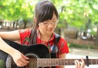 Dạy đàn Guitar tại nhà cho các em học sinh